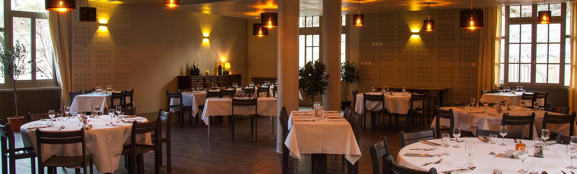 """Restaurant à Annot, """"la Table du Pré Martin"""", location de salles pour séminaire, stage, banquets"""