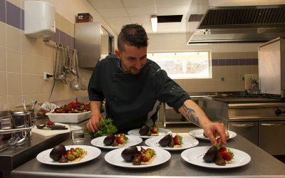 """Restaurant à Annot, """"la Table du Pré Martin"""", location de salles pour séminaire, stage, banquets, Chef Stéphane LAUGIER"""